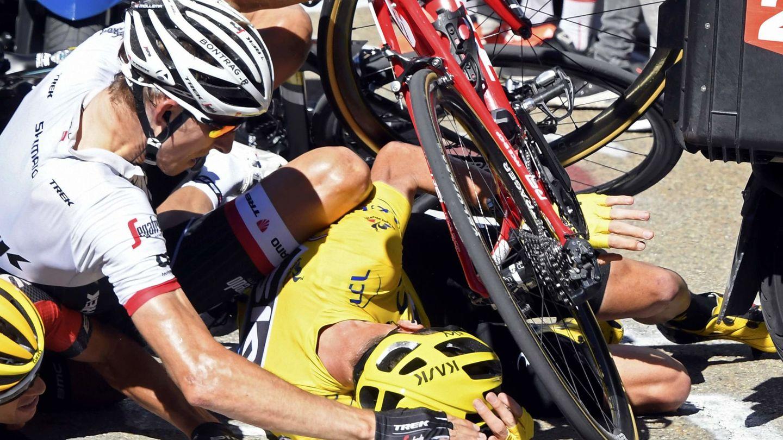 Froome también cayó en la 12ª etapa del Tour. (Reuters)