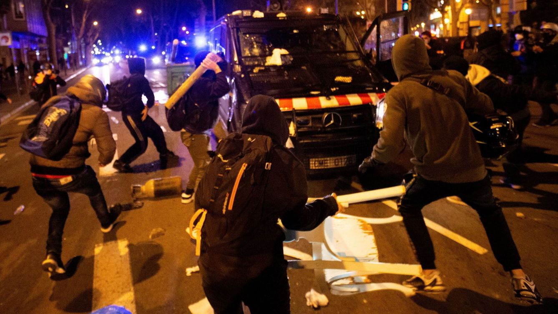 Fotogalería: Disturbios por el encarcelamiento del rapero Pablo Hasél