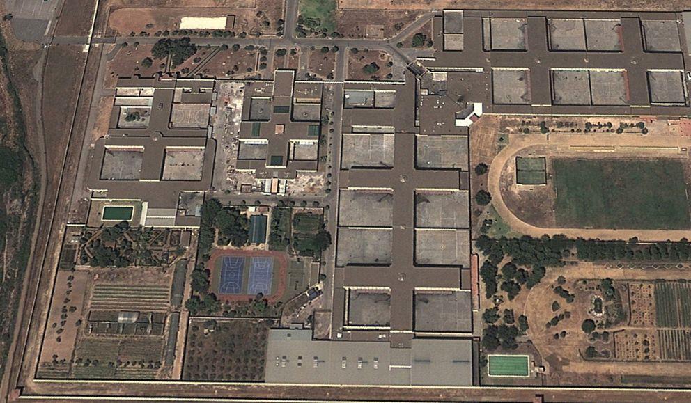 Piscinas verdes y patatales para hacer deporte: la cárcel de Isabel Pantoja a vista de pájaro