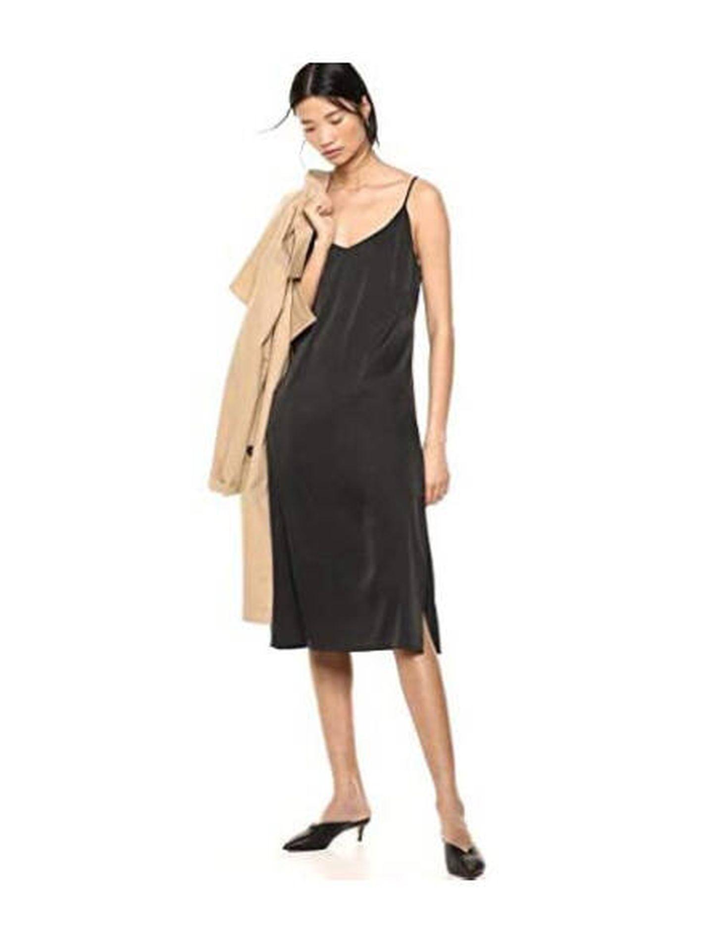 Vestido lencero negro y cuello de pico a la venta en Amazon. (Cortesía)