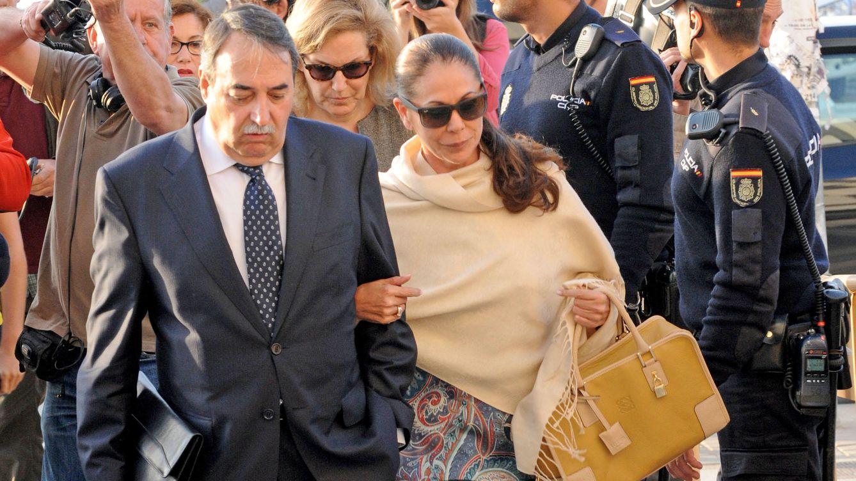 Pantoja impone desde la cárcel la reconciliación entre sus hijos Kiko Rivera y Chabelita