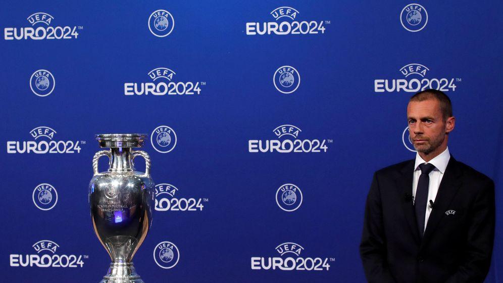 Foto: El presidente de la UEFA, Aleksander Ceferin, tras anunciar la sede de la Euro 2014. (Reuters)