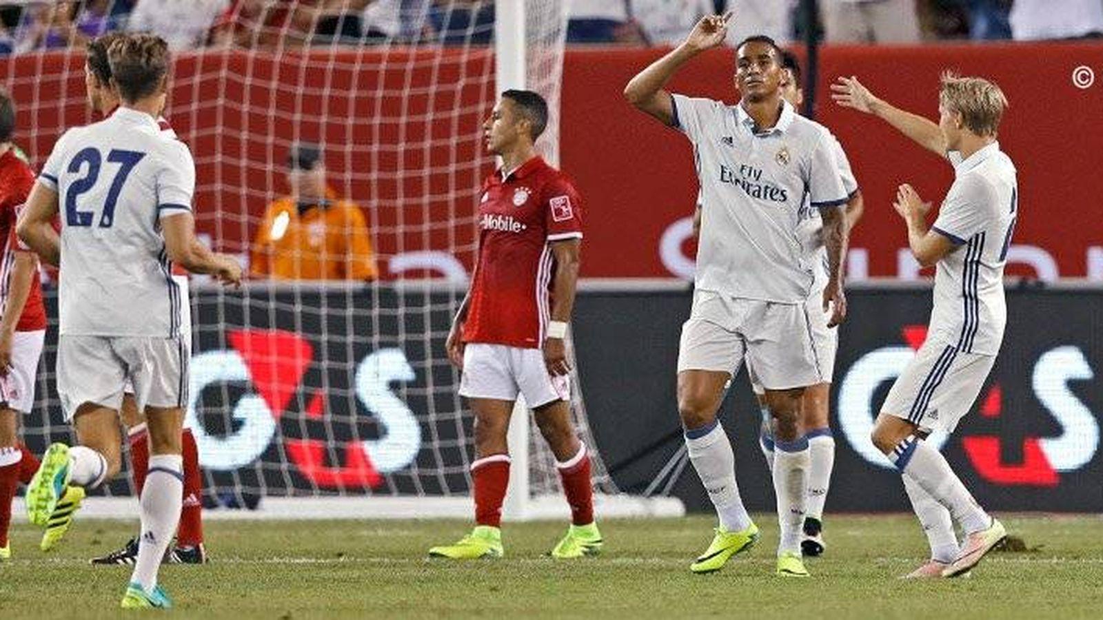 Foto: Danilo celebra su gol junto a Odegaard y Llorente (@RealMadrid).