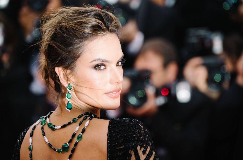 Foto: Tú también puedes lucir un look como el de Alessandra Ambrosio. (Foto: Getty Images)