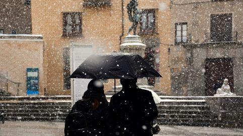 La nieve llega a España: varios puertos cerrados en el norte de la Península