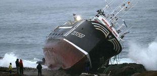 Post de Muere un marinero a bordo de un pesquero en A Coruña tras chocar contra las rocas