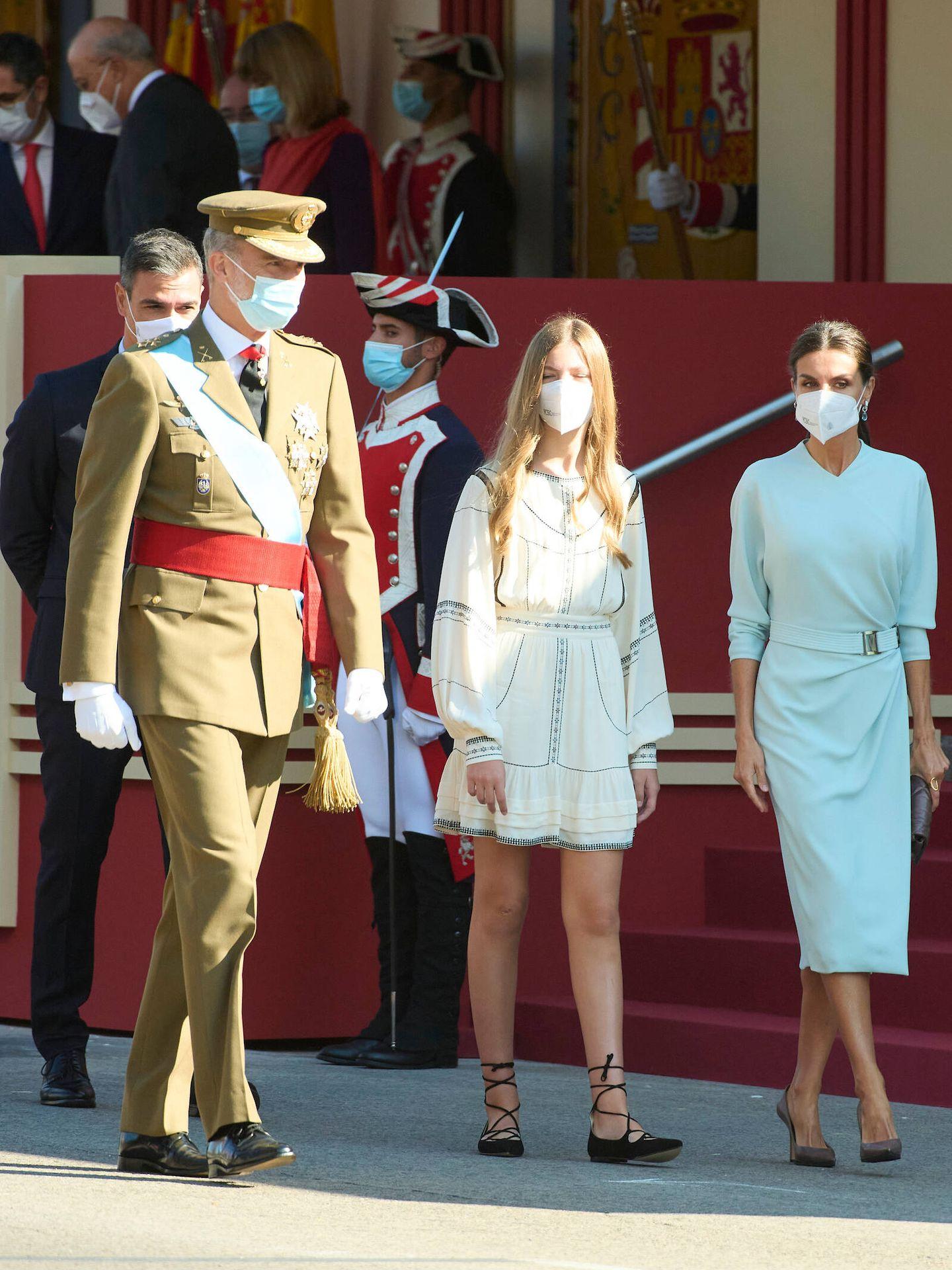 La familia real, en el desfile militar. (Limited Pictures)