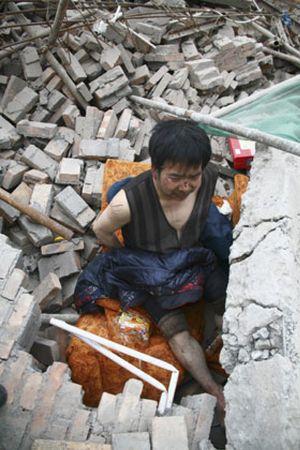 Las víctimas del terremoto en China ascienden a 15.000 muertos y 40.000 sepultados
