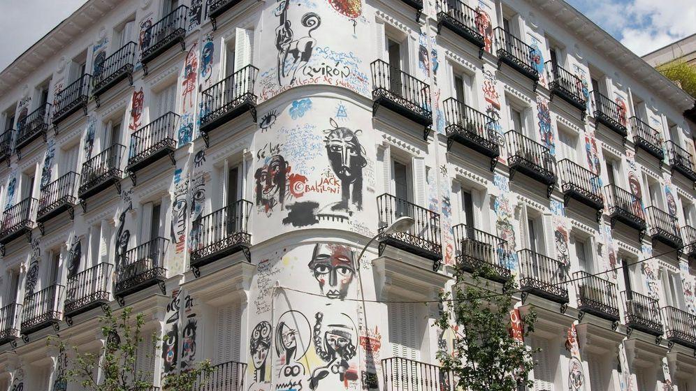 Foto: 'Todo es felicidá' desaparece tras ocho años embelleciendo Madrid. (J.B.)