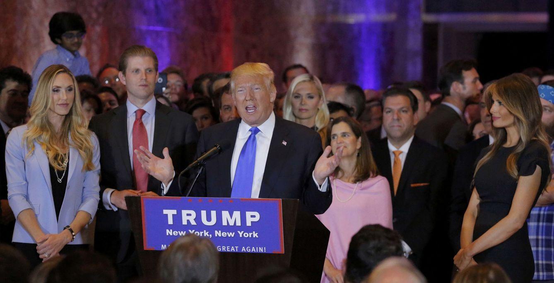 Foto: Trump durante el discurso en Nueva York tras conocer los resultados del Supermartes, el 26 de abril de 206 (Reuters).