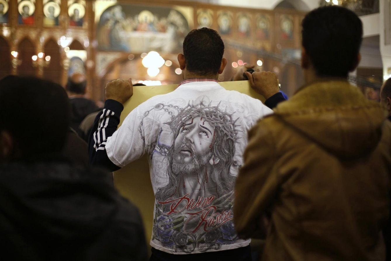 Foto: Cristianos coptos acuden a una misa en Jordania. (Reuters)