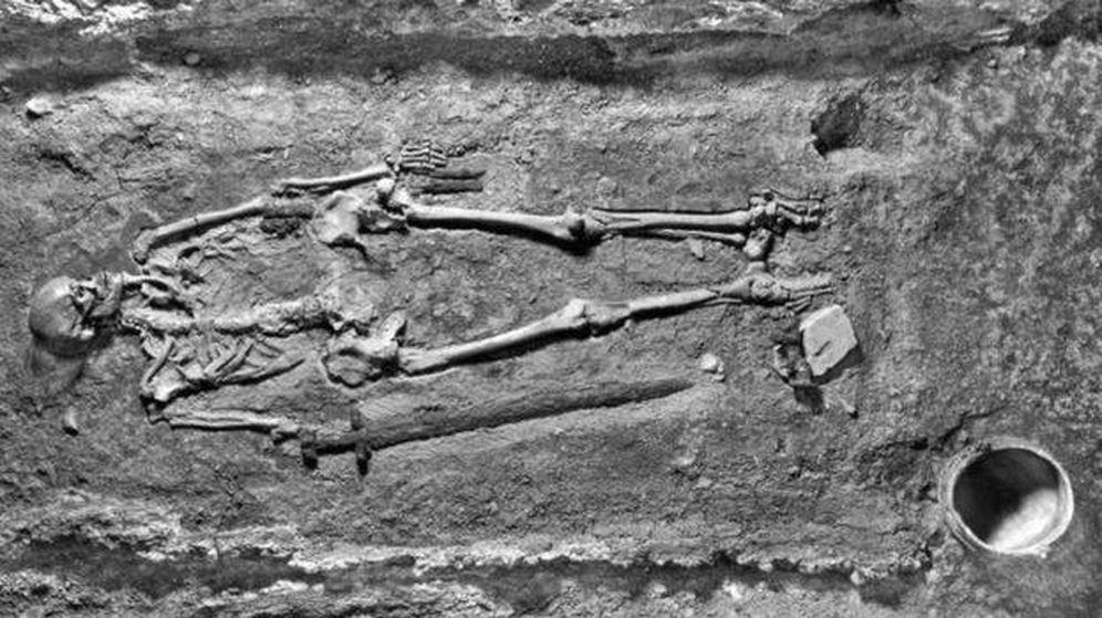 Foto: El misterioso esqueleto. (Instituto de Arqueología de Praga)