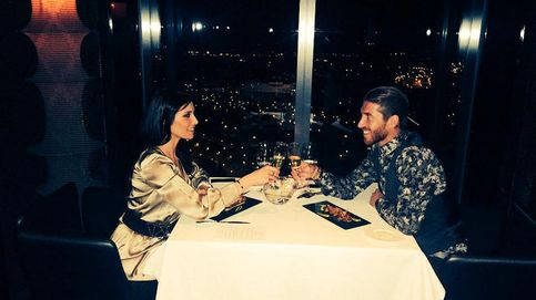 Pilar Rubio celebra sus 37 con una cena romántica con Sergio Ramos