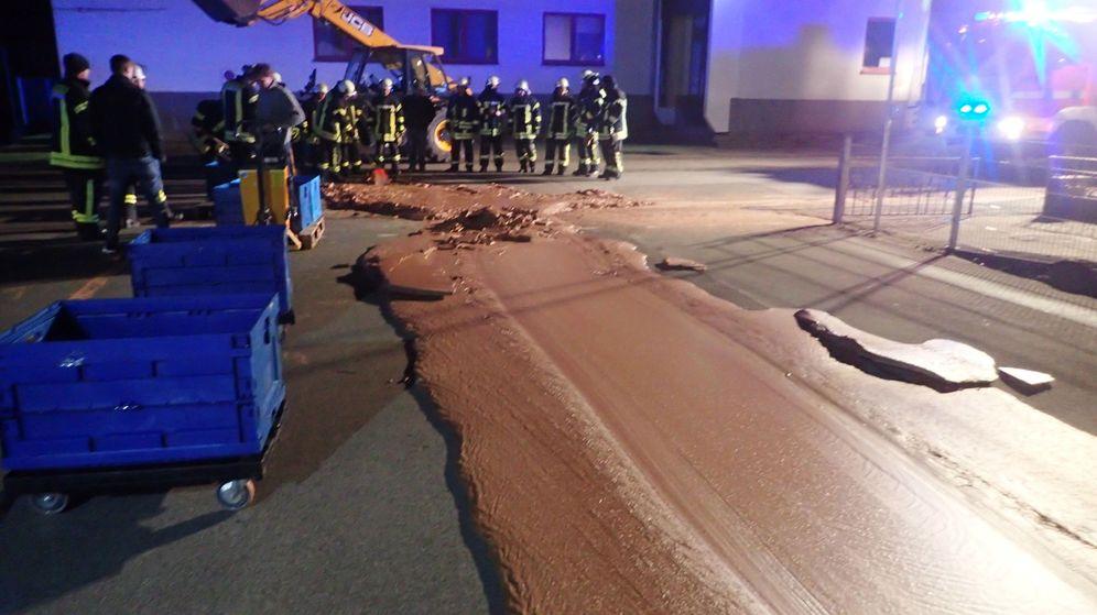 Foto: Un río de chocolate inundó la ciudad de Werl, en Alemania (Reuters)