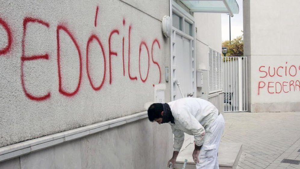 Foto: Imagen de archivo de una pintada en contra de la pedofilia. (EFE)