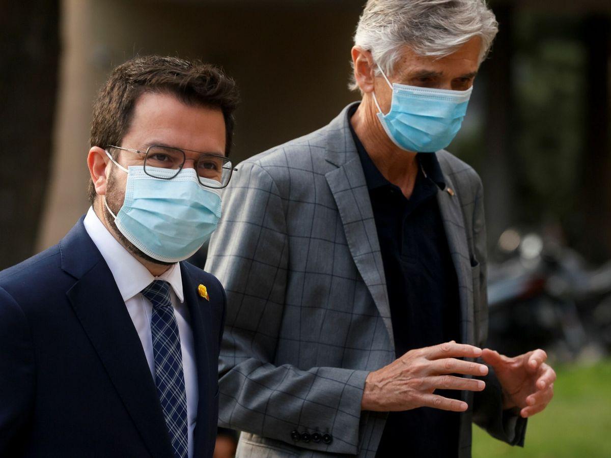 Foto: El presidente de la Generalitat, Aragonès (i) y el 'conseller' de Salud, Argimon. (EFE)