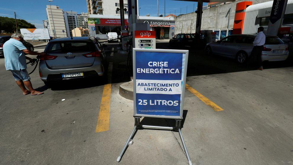 La huelga de transportistas en Portugal provoca largas colas en gasolineras españolas