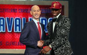 Wiggins llega como número uno a Cleveland y pide a LeBron que vuelva