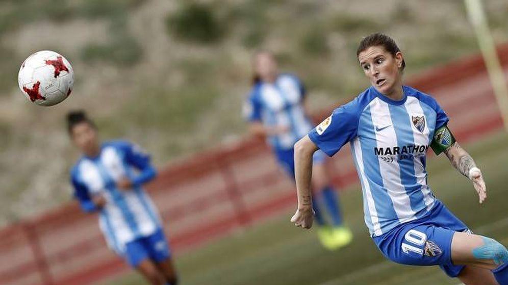 Foto: Adriana Martín, en un partido con el Málaga. (FOTO: Málaga CF)