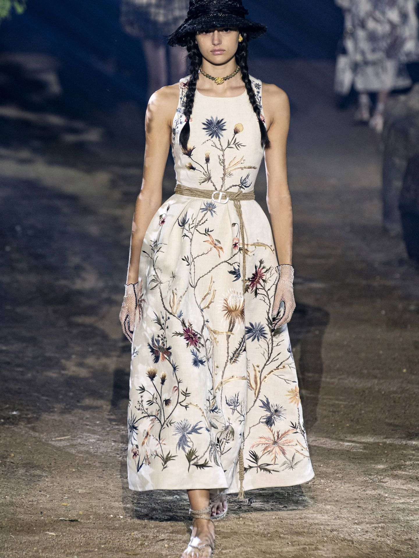 El vestido de Dior en el desfile. (Imaxtree)