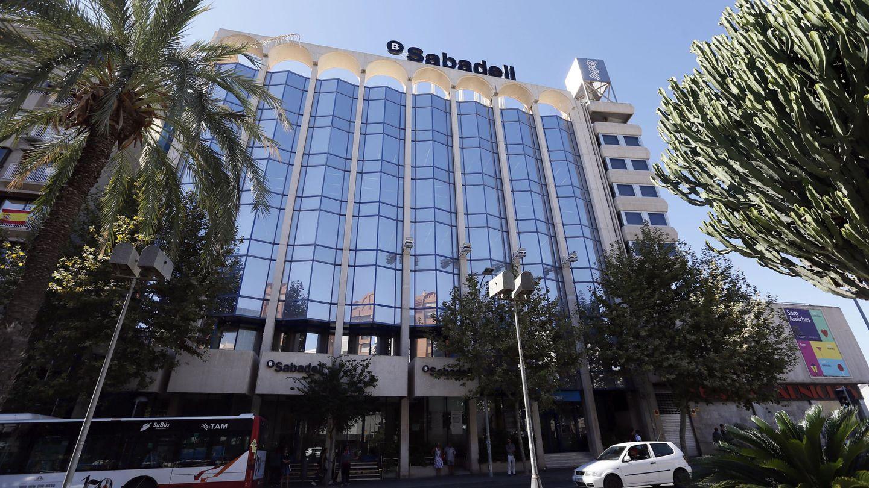 Nueva sede social de Banco Sabadell en Alicante. (EFE)