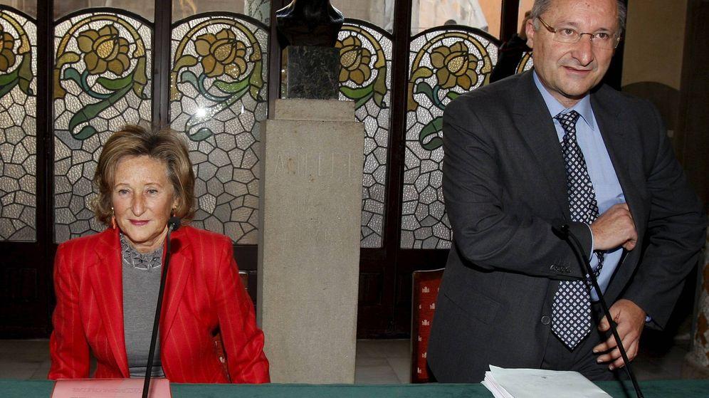 Foto: Joan Llinares, el día que renunció a su cargo de director del Palau de la Música de Barcelona. (EFE)