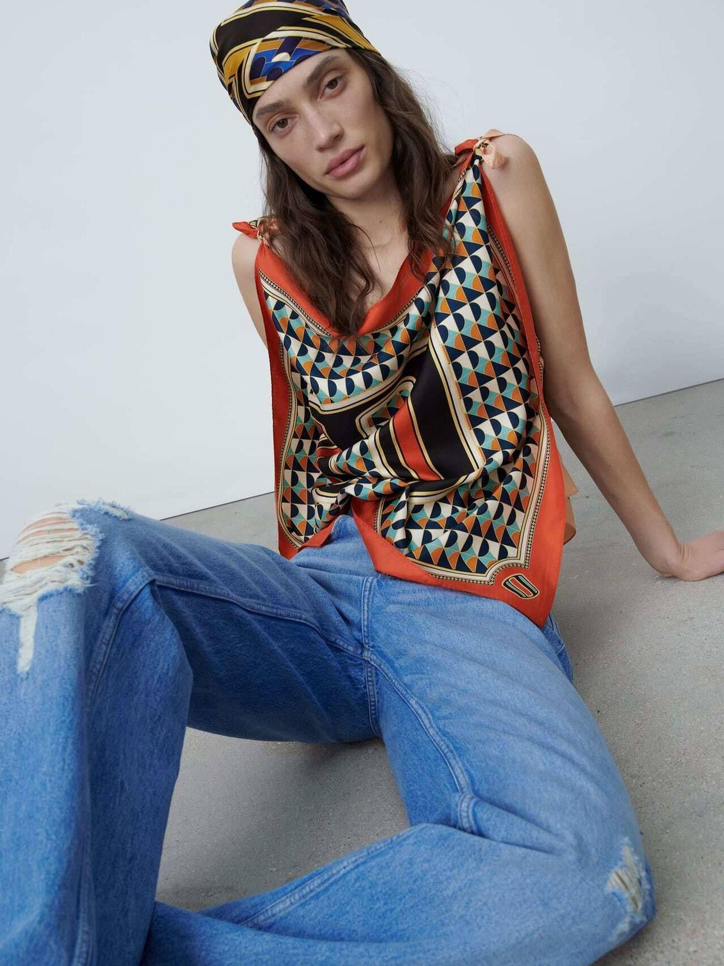 La nueva colección de pañuelos personalizados de Zara. (Cortesía)