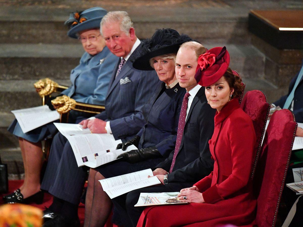 Foto: Isabel II, junto a su familia en una imagen de archivo. (Reuters)