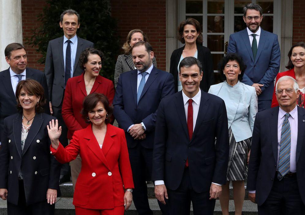 Foto: Pedro Sánchez, tras la primera reunión de su Consejo de Ministros, el pasado 8 de junio en La Moncloa. (Reuters)