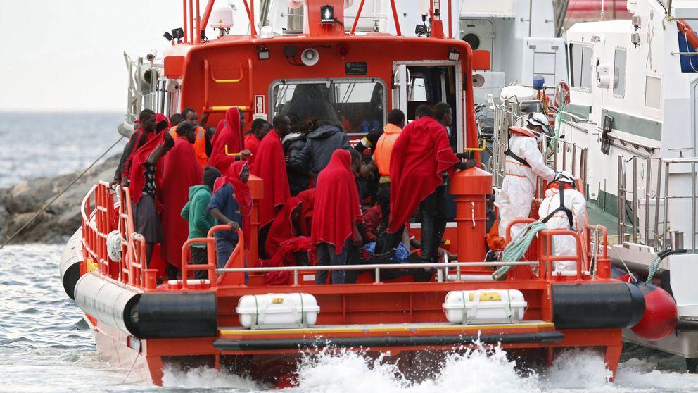 Sigue la búsqueda de los desaparecidos en la patera encontrada a la deriva