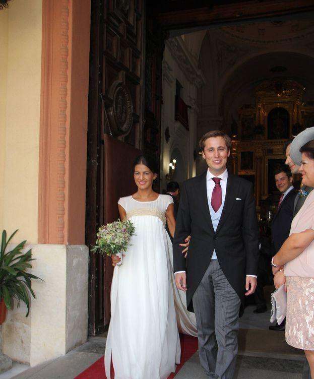 Foto:  Los novios, a la salida de la iglesia. (Lagencia Grosby)