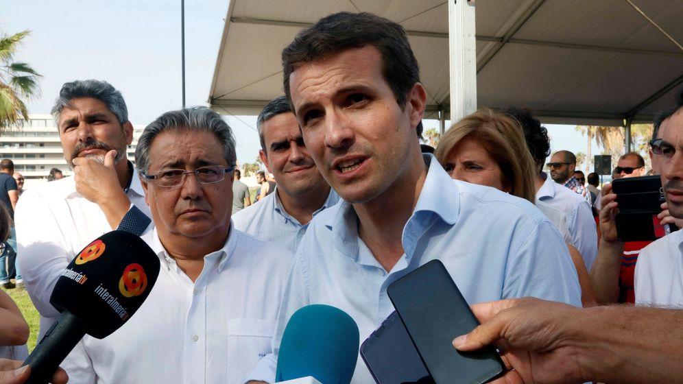 Foto: Pablo Casado junto al exministro Juan Ignacio Zoido en Almería.