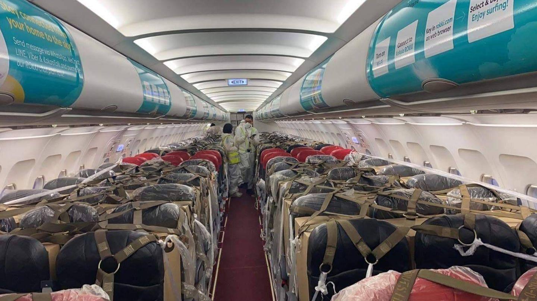 Carga en una cabina de pasajeros sin modificar. (AirAsia)