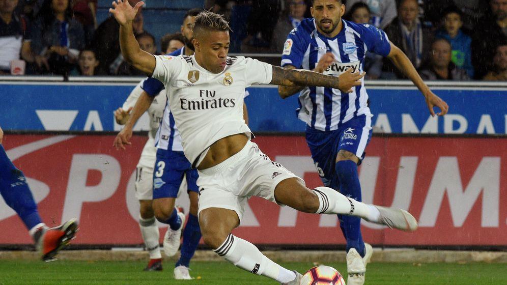 Foto: Mariano sustituyó a Benzema ante el Alavés. Ninguno de los dos marcó. (Reuters)