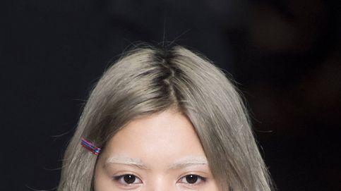 Se llama 'grey blending' y es la forma más natural de llevar el cabello canoso