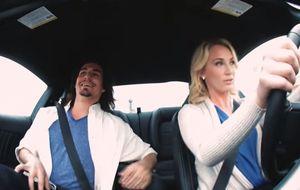 Esto es lo que pasa cuando una 'rubia tonta' se pone al volante