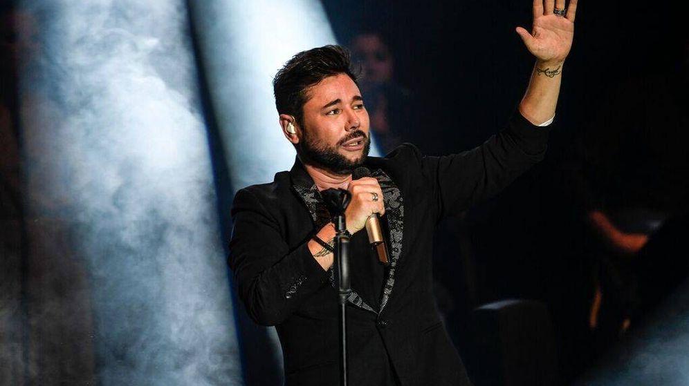 Foto:  Miguel Poveda, en un momento del concierto.