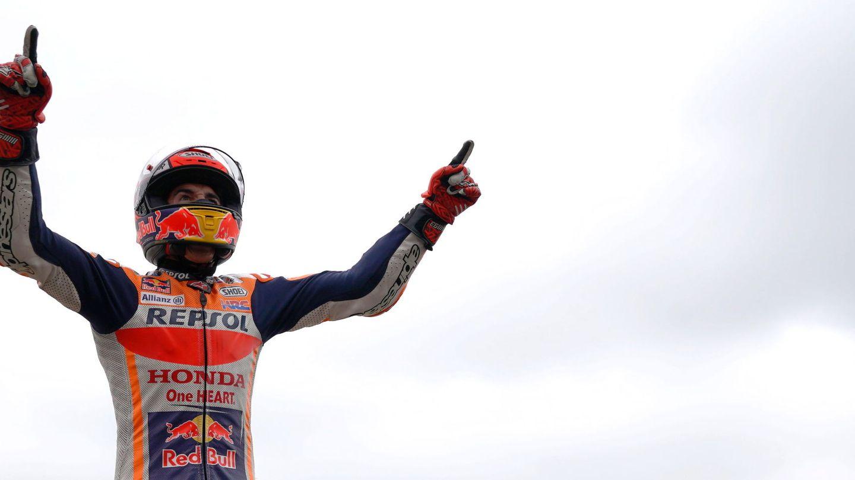 Marc Márquez celebrando su victoria en Le Mans. (EFE)