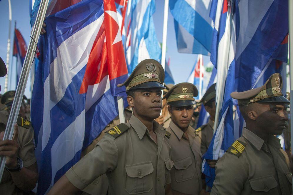 Foto: Miembros de las Fuerzas Armadas Revolucionarias desfilan en La Habana en septiembre de 2014. (Reuters)