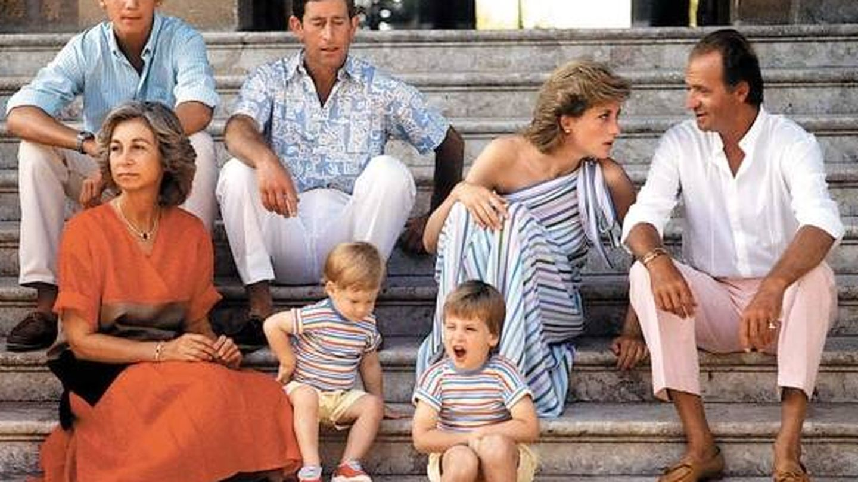 Durante sus veraneos en Marivent con Lady Di y el príncipe Carlos. (EFE)