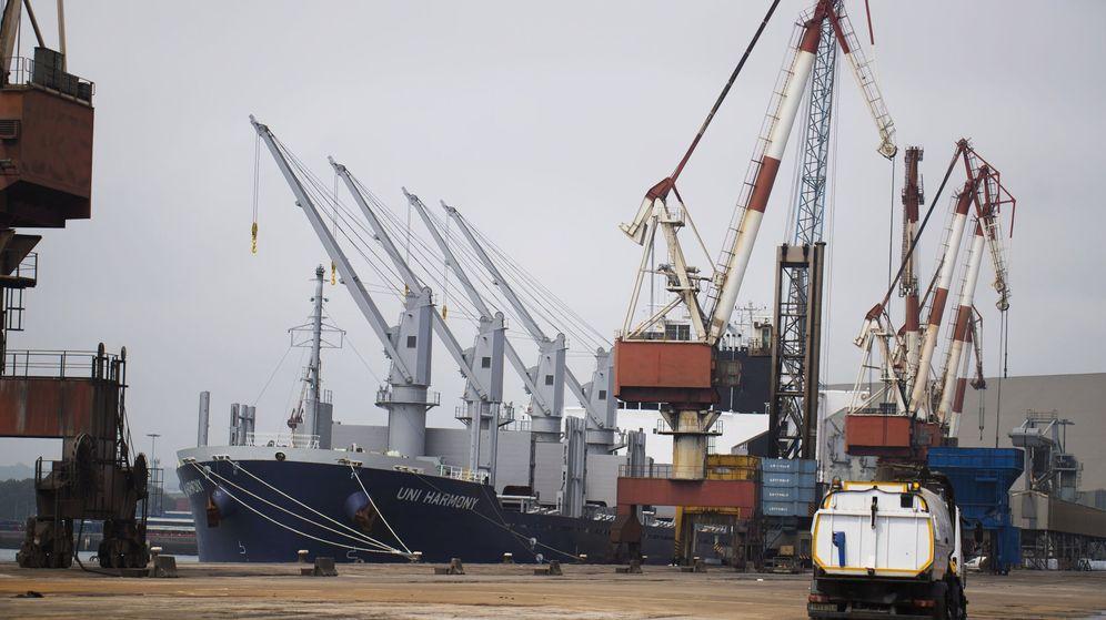 Foto: El Puerto de Santander, que opera Bergé, ha sufrido este miércoles huelga de estibadores en horas impares. (EFE)
