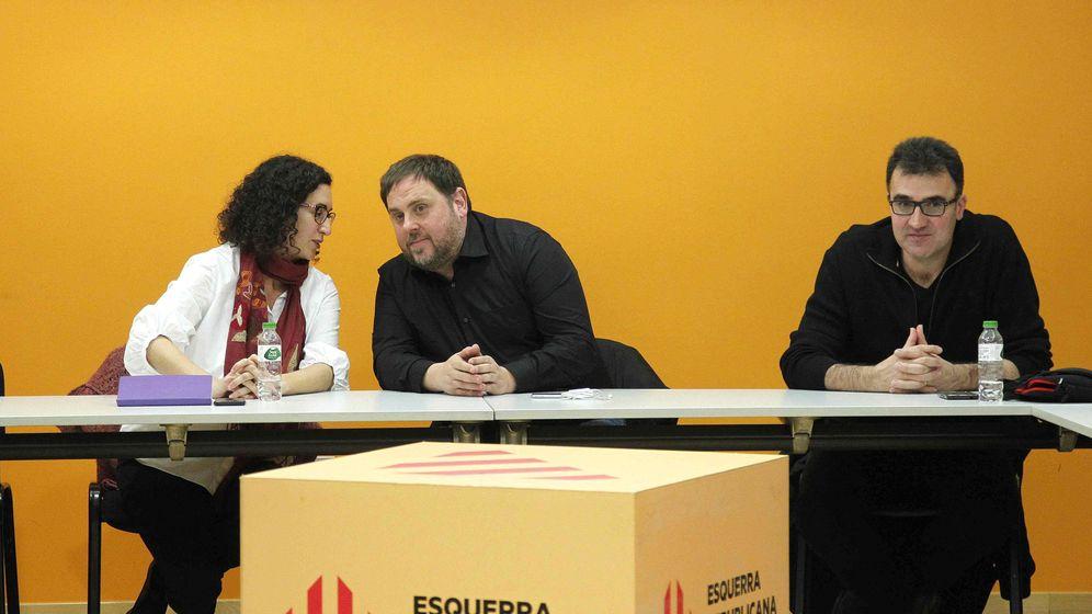Foto: El presidente de ERC, Oriol Junqueras (c), junto a Marta Rovira. (EFE)