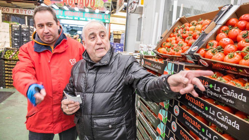 De 0,55 a 1,99 euros: quién se queda con el dinero que pagas por un kilo de tomates