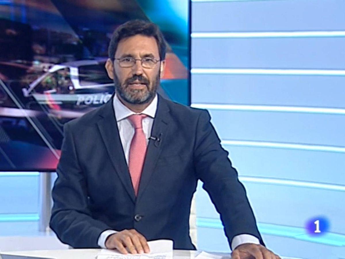 Foto: David Martínez, presentador de 'Noticias Andalucía'. (TVE)