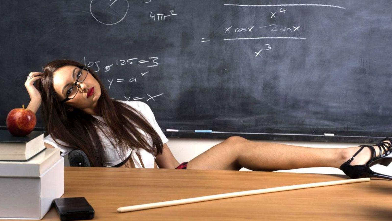 Учительница наказала студента, Училка Наказала Студентку - Видео Pornable 22 фотография
