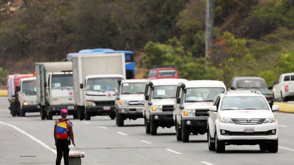 Foto: Camiones con el logo de la Federación Internacional de Sociedades de Cruz Roja y Media Luna Roja en Caracas (Reuters)