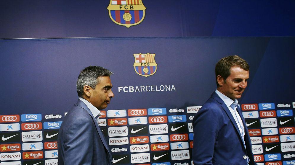 Foto: Albert Soler (i) y Robert Fernández (d), dos de los señalados para salir del Barcelona. (EFE)
