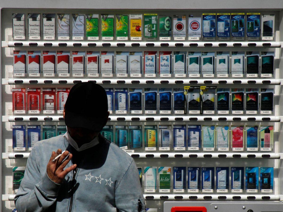 Foto: El dueño del bar tenía una copia de la llave de la máquina de tabaco (Reuters)