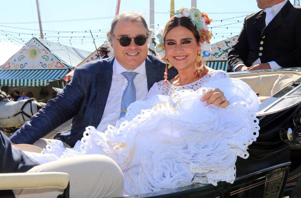 Foto: Marina Danko y su novio en la Feria de Abril. (Gtres)