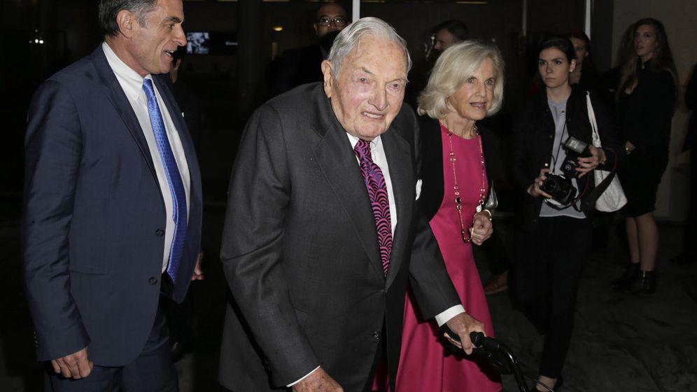 Foto: El banquero estadounidense David Rockefeller (c) asiste a la 'Fiesta en el Jardín 2015'. (Reuters)